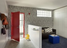 Add a touch of red and wallpaper beauty to the contemporary entry