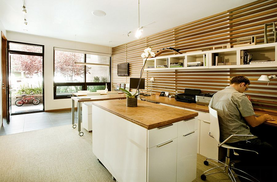An unconventional way of adding stripes to the exquisite home office [Design: S2 Architects]