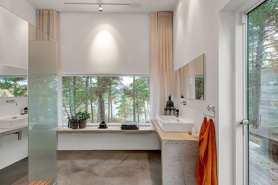 Bathroom with minimalist and contemporary appeal