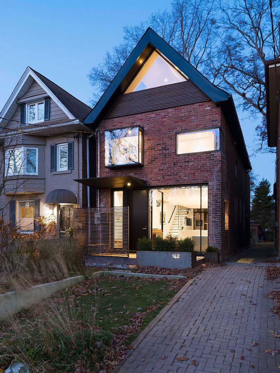 Early 1900s toronto home with a glassy modern renovation for 1900 architecture houses