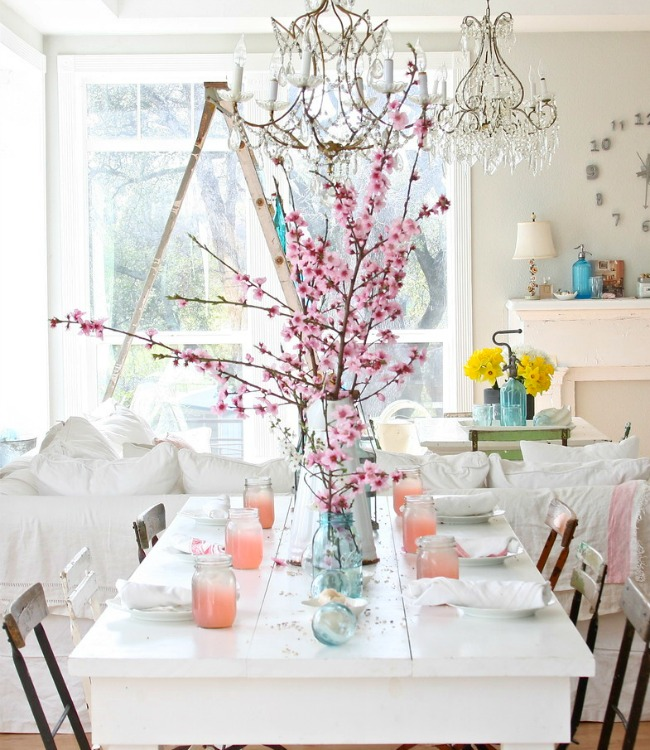 A simple background means spring flowers stand out  Green and Gorgeous Garden-Inspired Table Settings Cherry Blossom Brunch