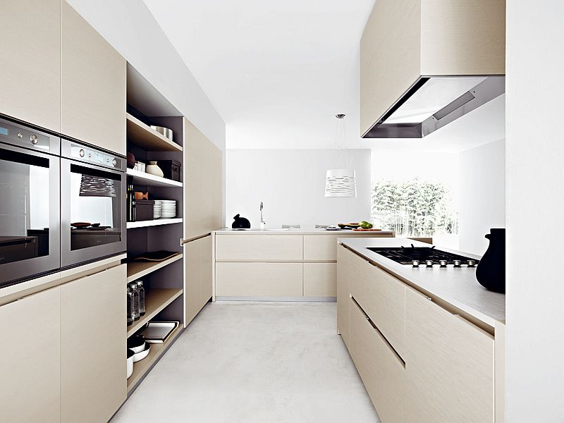 Customized Italian kitchen with open and closed storage spaces