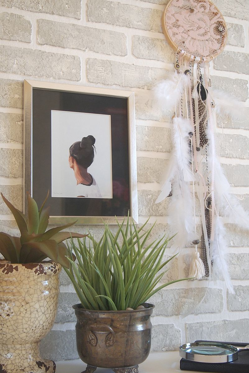 DIY Dreamcatcher adds style and texture to the setting