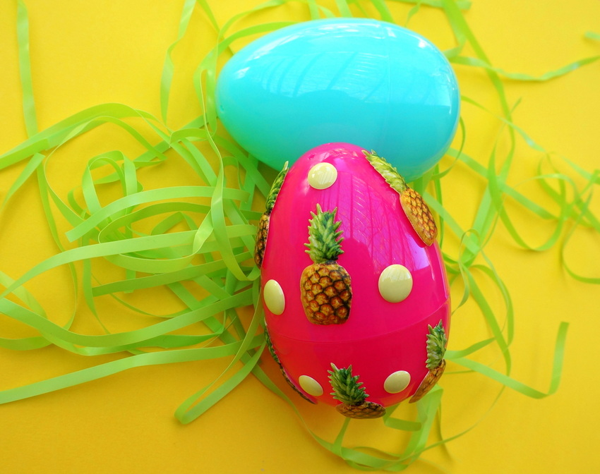 Dot and pineapple pattern for Easter eggs