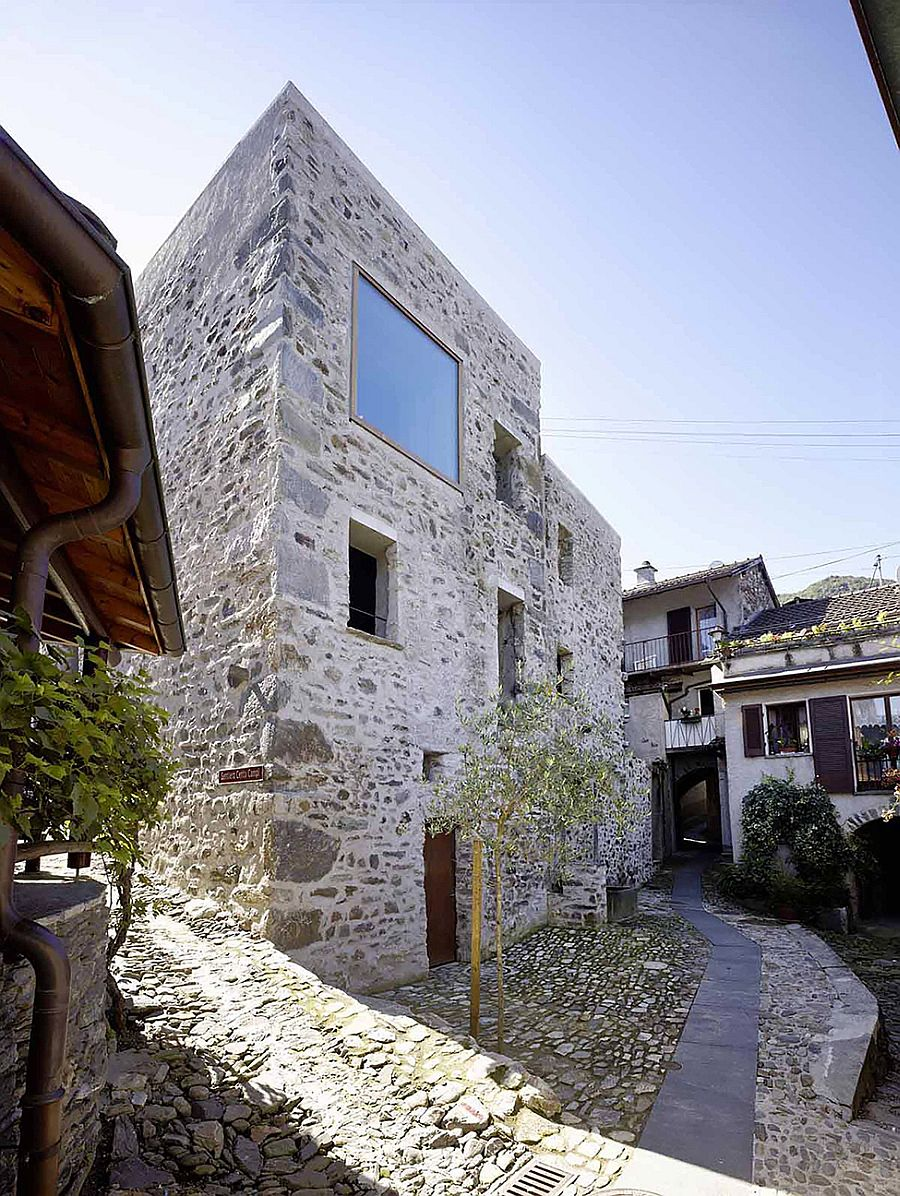Historic stone house in switzerland by wespi de meuron romeo for Modern stone houses architecture