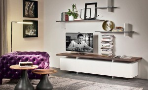 Fabulous TV unit in solid wood with cabinet space