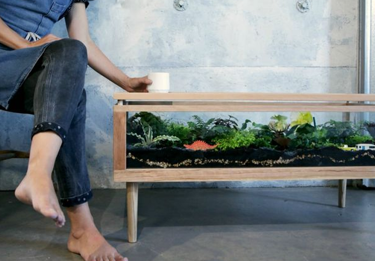 Instructables How to Make a Terrarium Table