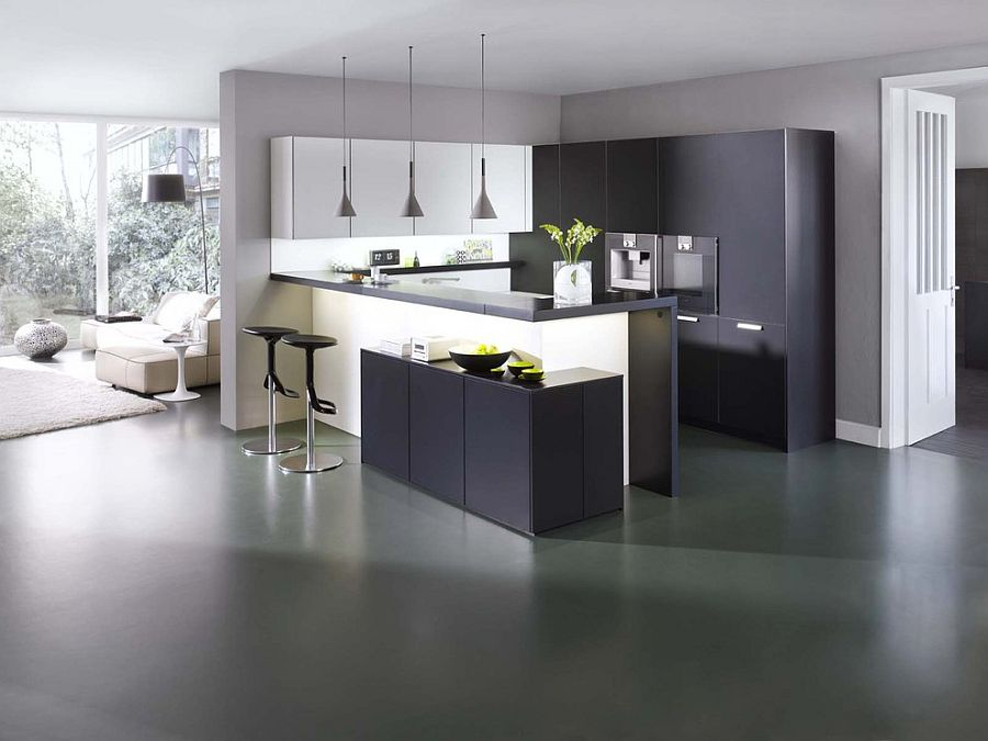L-shaped kitchen composition with a cool peninsula and breakfast zone