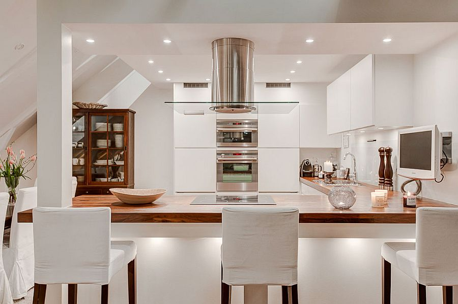 L-shaped kitchen counter with a spacious serving zone