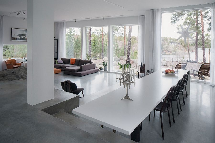 Large glass walls combine the living area with the outdoors