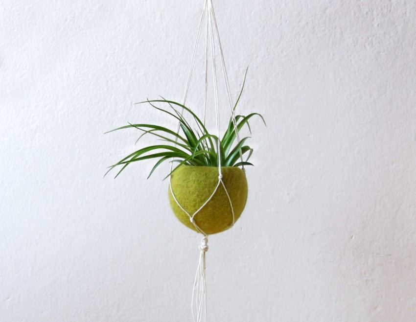 Macrame and olive green felt planter from Etsy shop The Yarn Kitchen