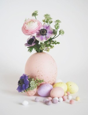 Painted egg centerpiece from Green Wedding Shoes