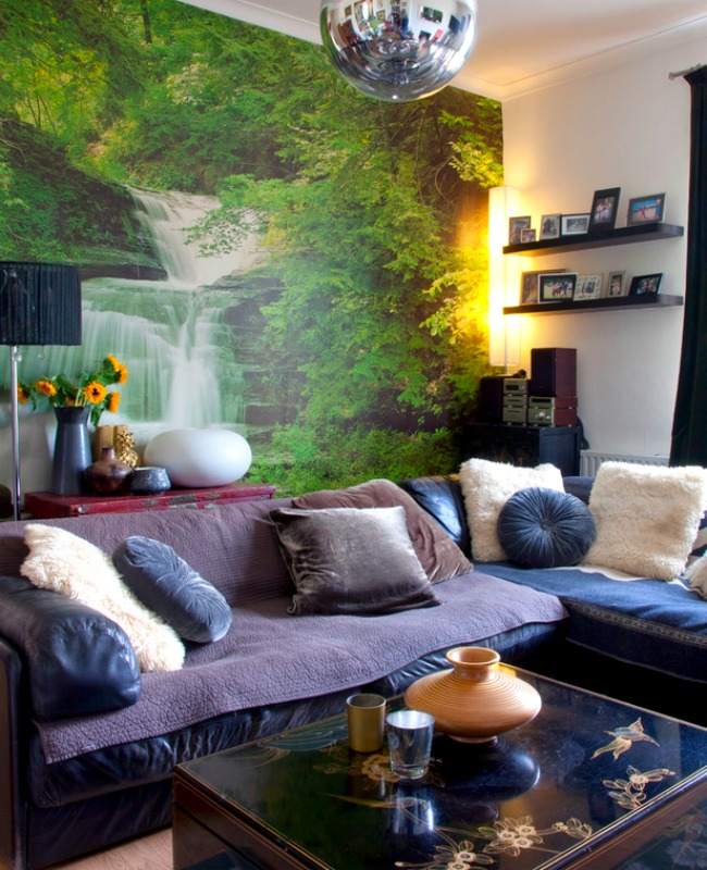 Even casual spaces can get a lift from a bold wall