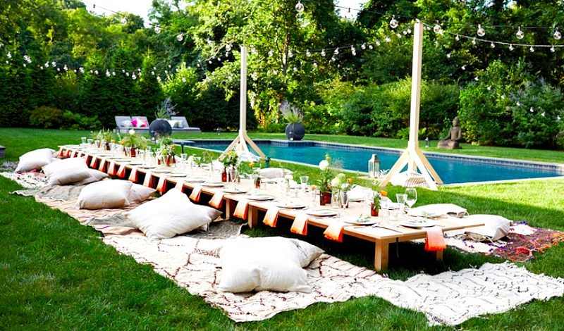 This elegant set up lends new meaning to the concept of 'pool party'