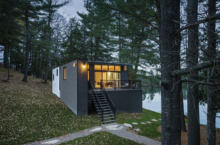 Prefab timber cottage combines the traditional and the modern Classy Cottage in Quebec Brings Modern Aesthetics to Traditional Design