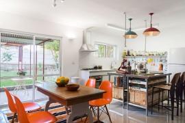 Cheerful Modern Renovation Transforms 50's Israeli Residence