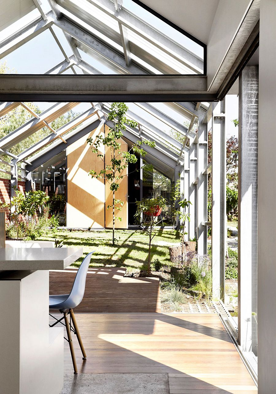 Stunning courtyard with a steel frameowrk around it and bath space