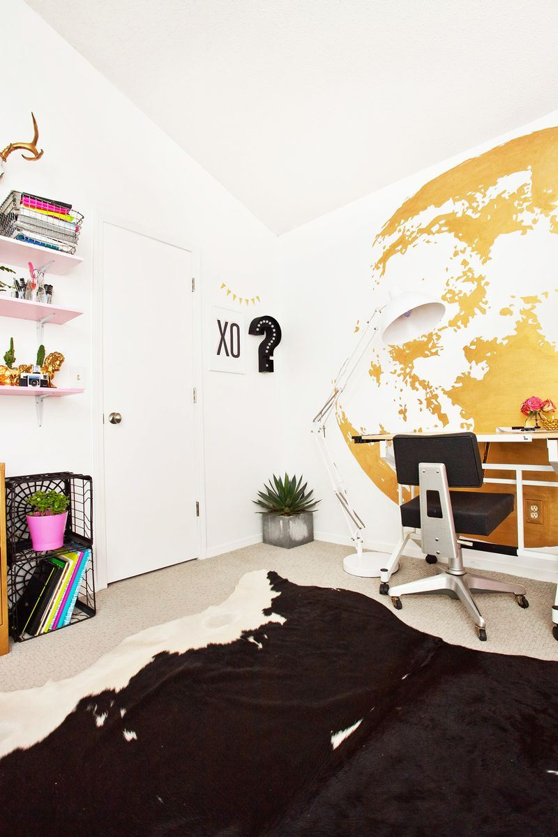 The art room of blogger Laura Gummerman