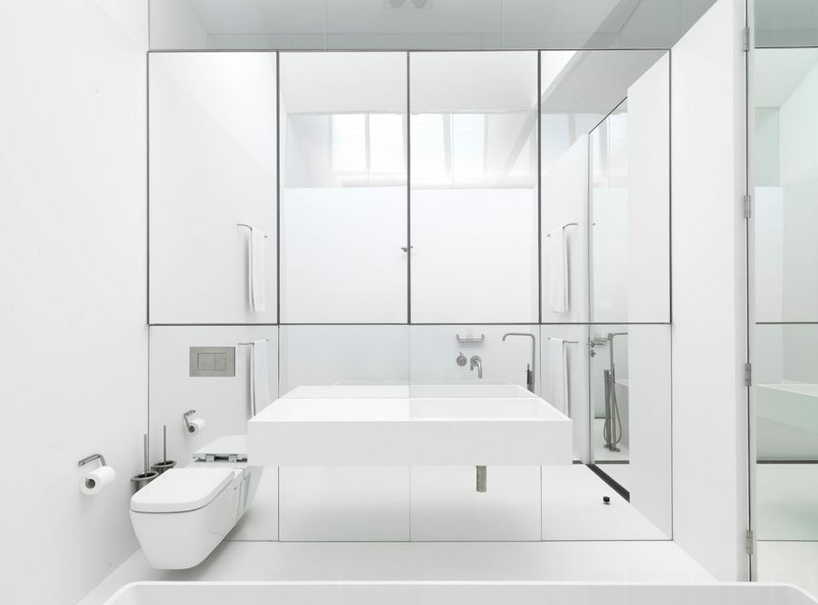 View In Gallery Ultra Modern Bathroom With A Mirrored Wall
