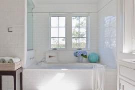 Caulk Your Tub in a Few Easy Steps