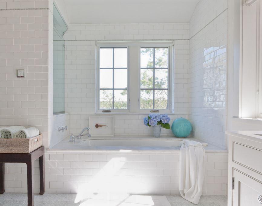 Caulk Your Tub In A Few Easy Steps - Tub caulking easy steps