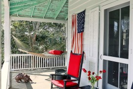 A hint of Americana for the porch  Summer Spirit: 25 Cool Outdoor Hangouts with a Hammock! A hint of Americana for the porch 270x180