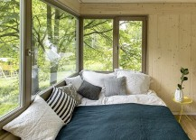 Bedroom-of-the-treehouse-with-wonderful-views-217x155