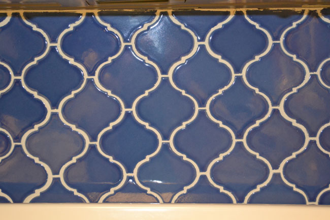 Blue patterned tile backsplash DIY