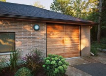 Brick-exterior-of-the-canadian-home-has-a-traditional-appeal-217x155
