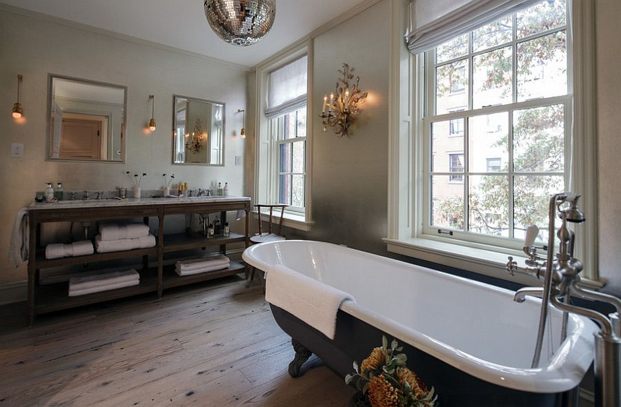 Claw-foot bathtub in gray for the industrial bathroom