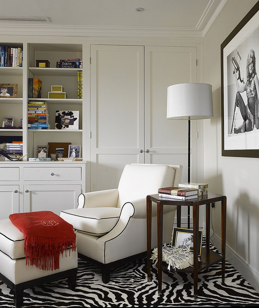 ... Cozy reading corner in black and white [Design: BNL-Interior Design]