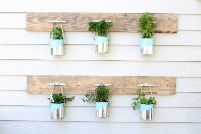 View In Gallery DIY Herb Garden With Pallet Wood And Paint Cans