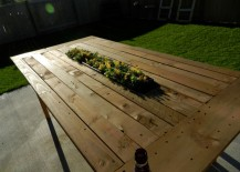 DIY-pallet-table-with-center-planter-217x155