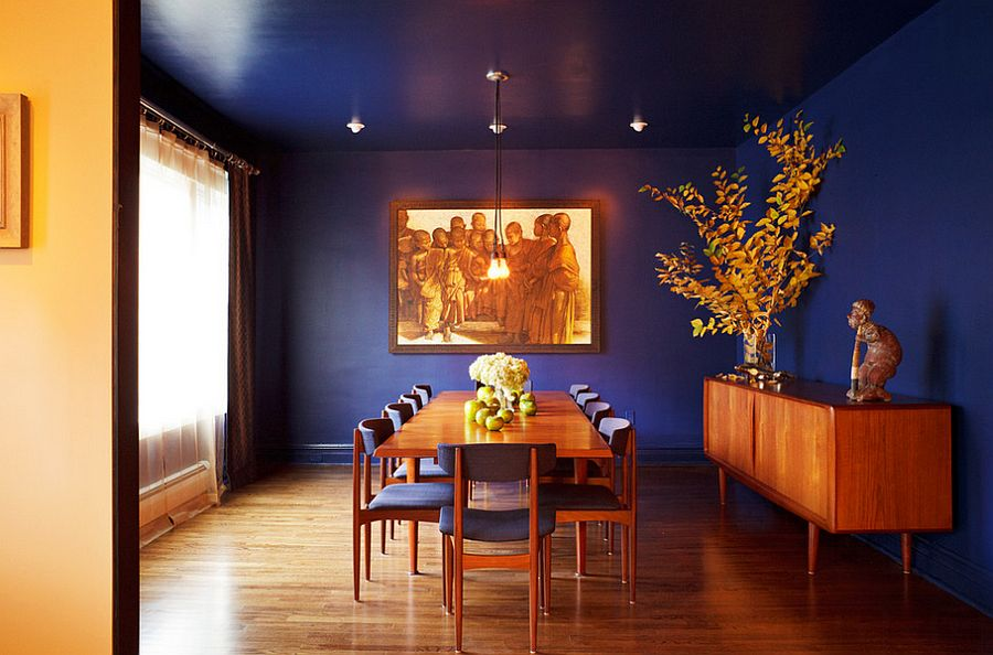 Dining room for those who absolutely love deep and rich blue!