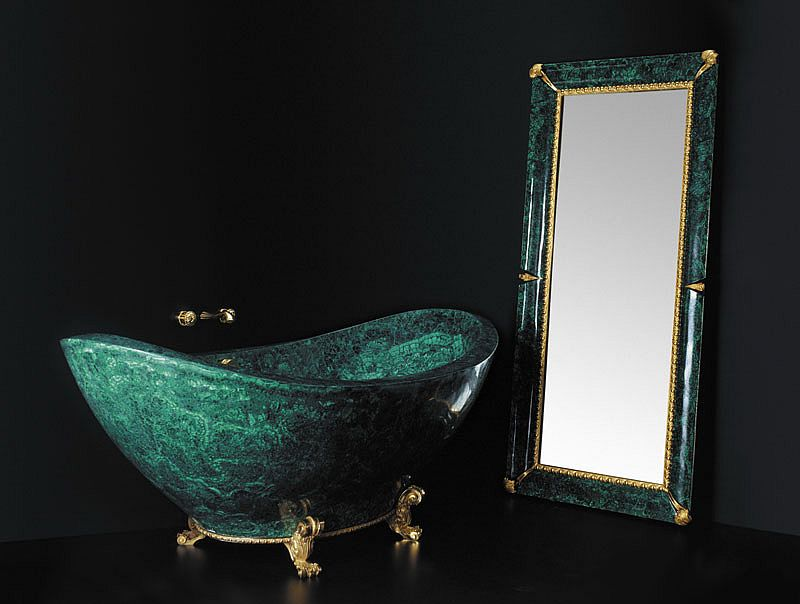 Exclusive bathtub crafted in Malachite and gold