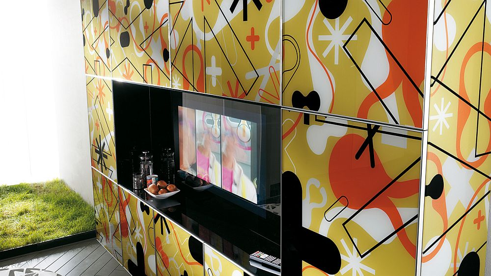 Fun patterns give the living room a hint of plyafulness