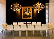 Gold-brings-an-air-of-posh-elegance-to-the-black-backdrop-217x155