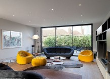 Gorgeous-sofa-adds-style-and-comfort-to-the-living-room-217x155