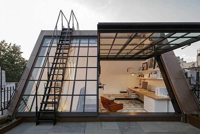 Home office on top level with an access to the roof