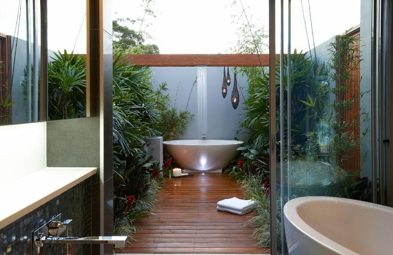 Indoor Outdoor Shower simple luxuries: 10 killer outdoor showers