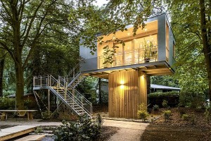 Innovative Urban Treehouse by Baumraum in Berlin