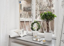 Interesting way to turn the window sill into a smart shelf!