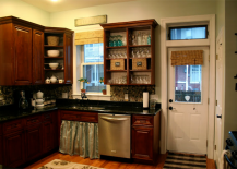 Kitchen with Garden Stone Backsplash