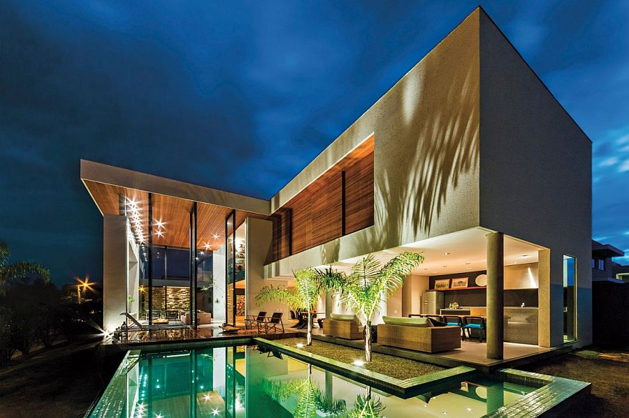L-Shaped design of the house creates the perfect courtyard