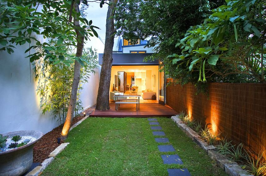 View In Gallery Less Is More This Yard Featuring Bamboo And Other Grasses