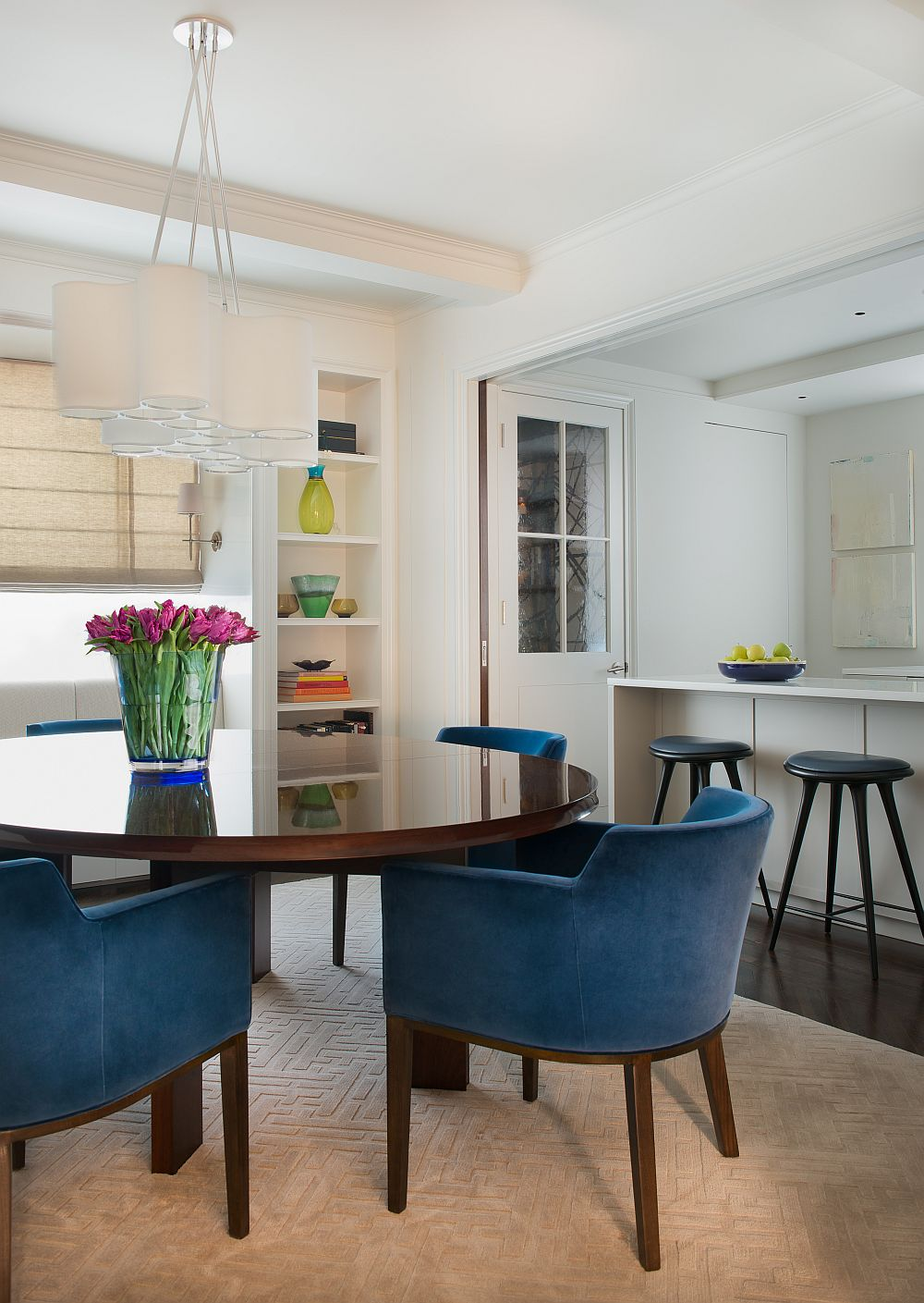 Lovelu use of color in the dining space