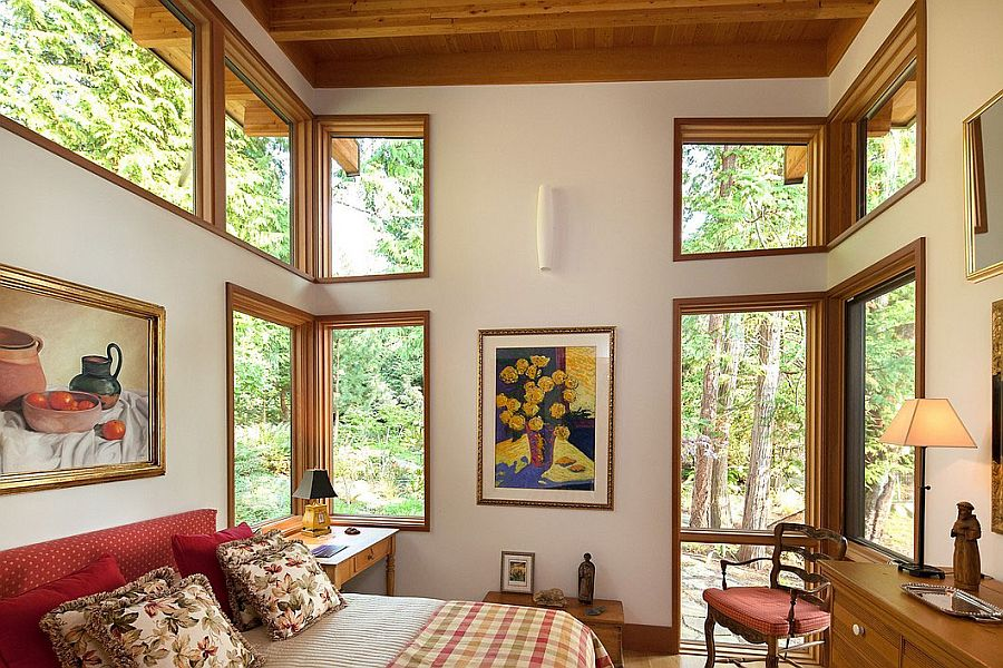 Lovely use of corner windows to bring in ample ventilation