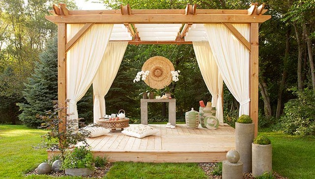 This beautiful outdoor space is nothing if not serene