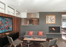 Midcentury-living-room-with-Risom-chairs-and-the-cozy-Daybed-217x155