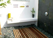 Modern Outdoor Shower 217x155 Simple Luxuries: 10 Killer Outdoor Showers